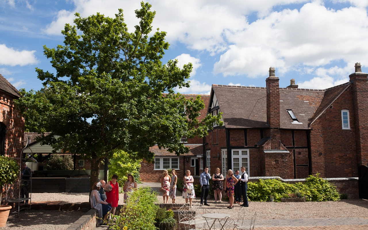 Curradine Barns Wedding Photographer Helen Howard 028 (Sheet 28).jpg