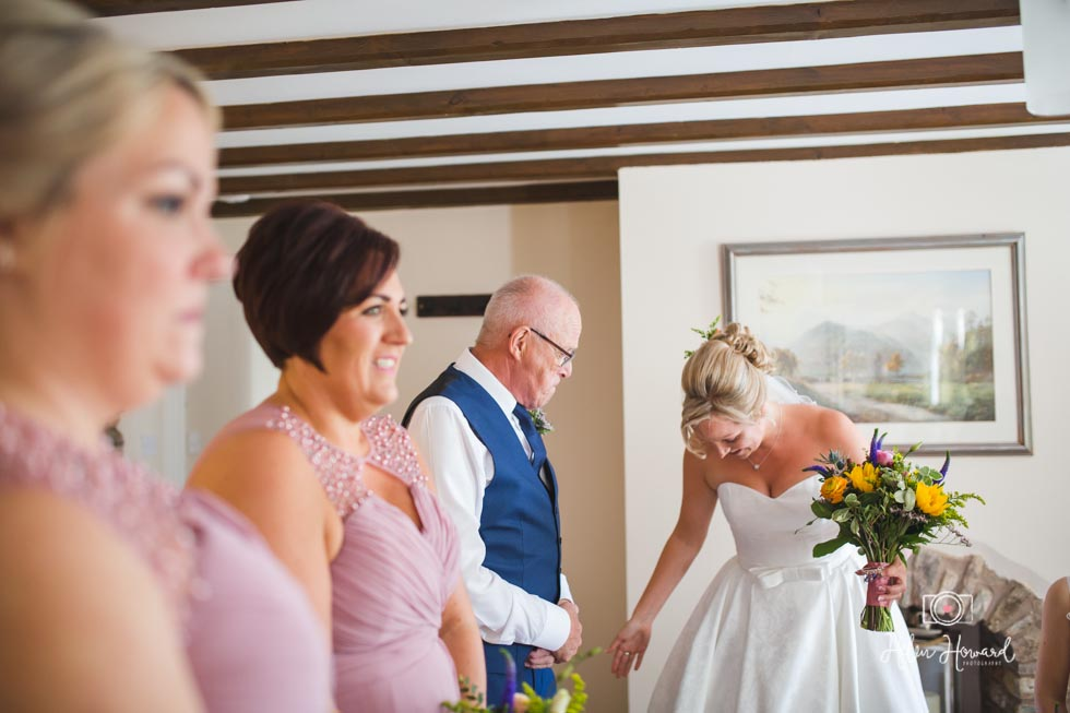 Barn-Wedding-in-somerset-281.jpg