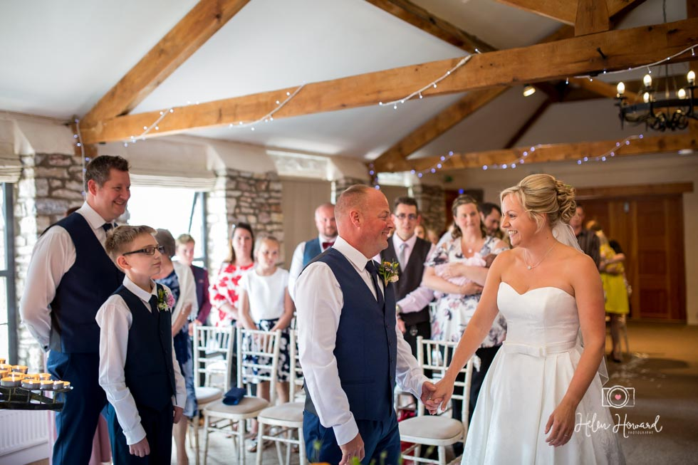 Barn-Wedding-in-somerset-324.jpg