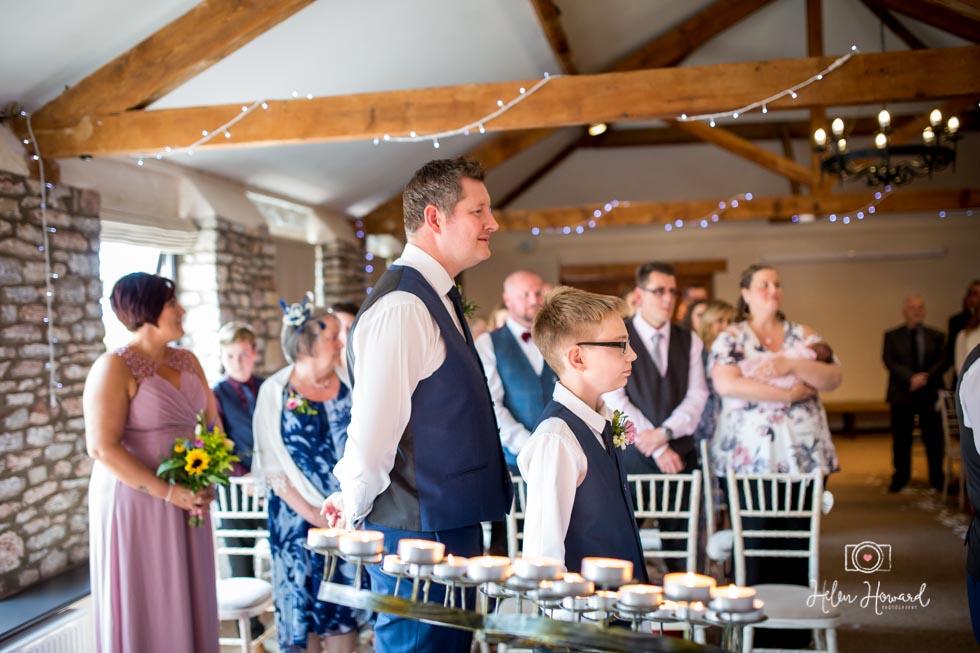 Barn-Wedding-in-somerset-331.jpg