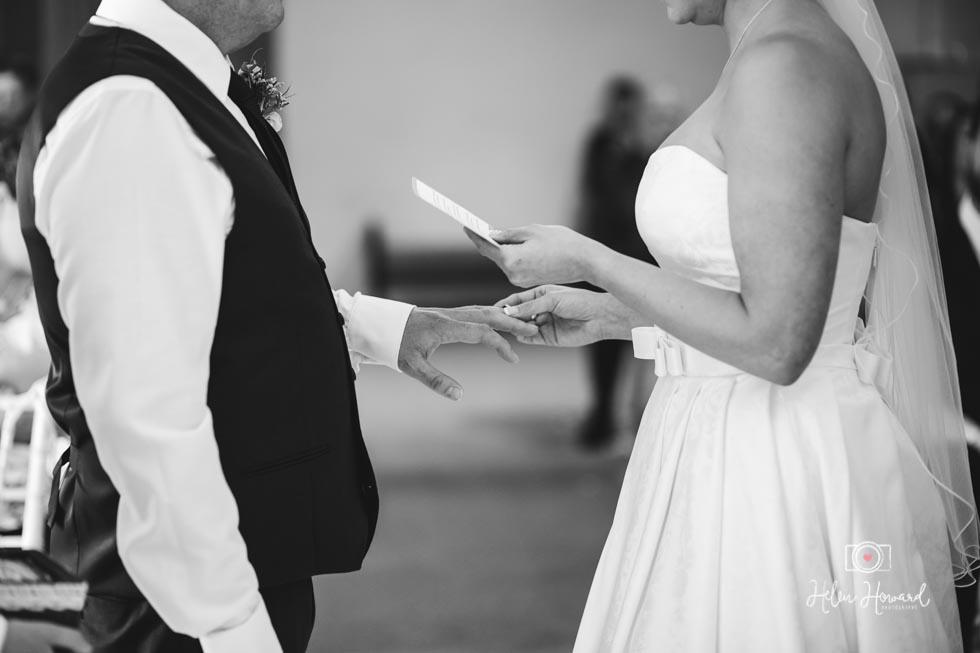 Barn-Wedding-in-somerset-391.jpg