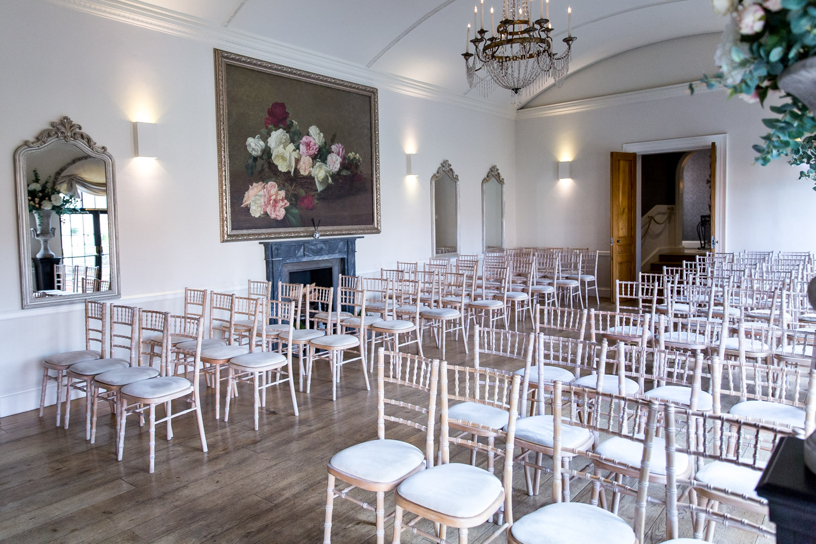 Alrewas Hayes is a beautiful and exclusive country house wedding venue on the outskirts of Lichfield