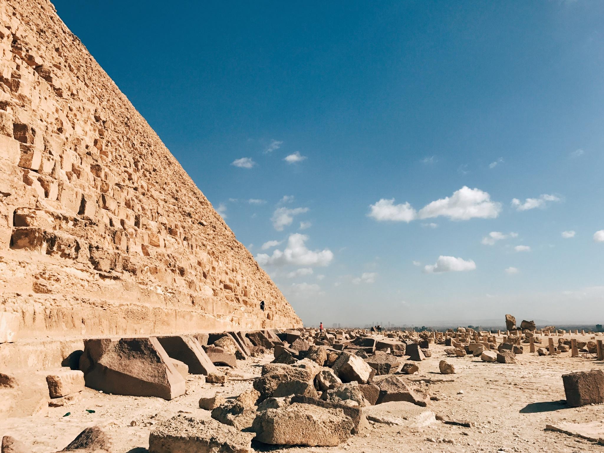 giza, egypt   the great pyramids