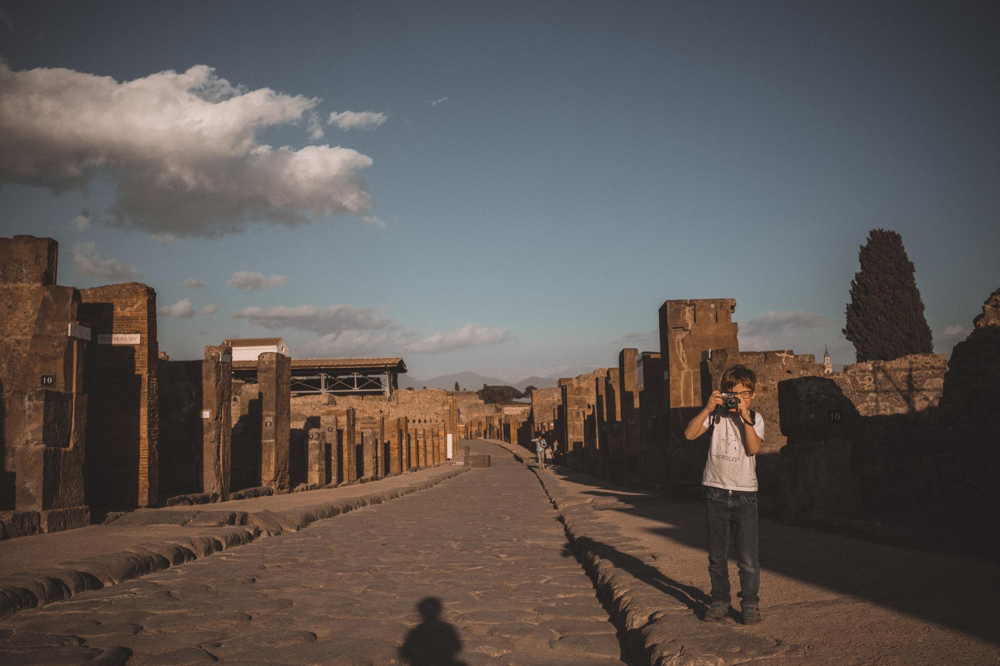 036-wedding-photographer-in-pompeii.jpg