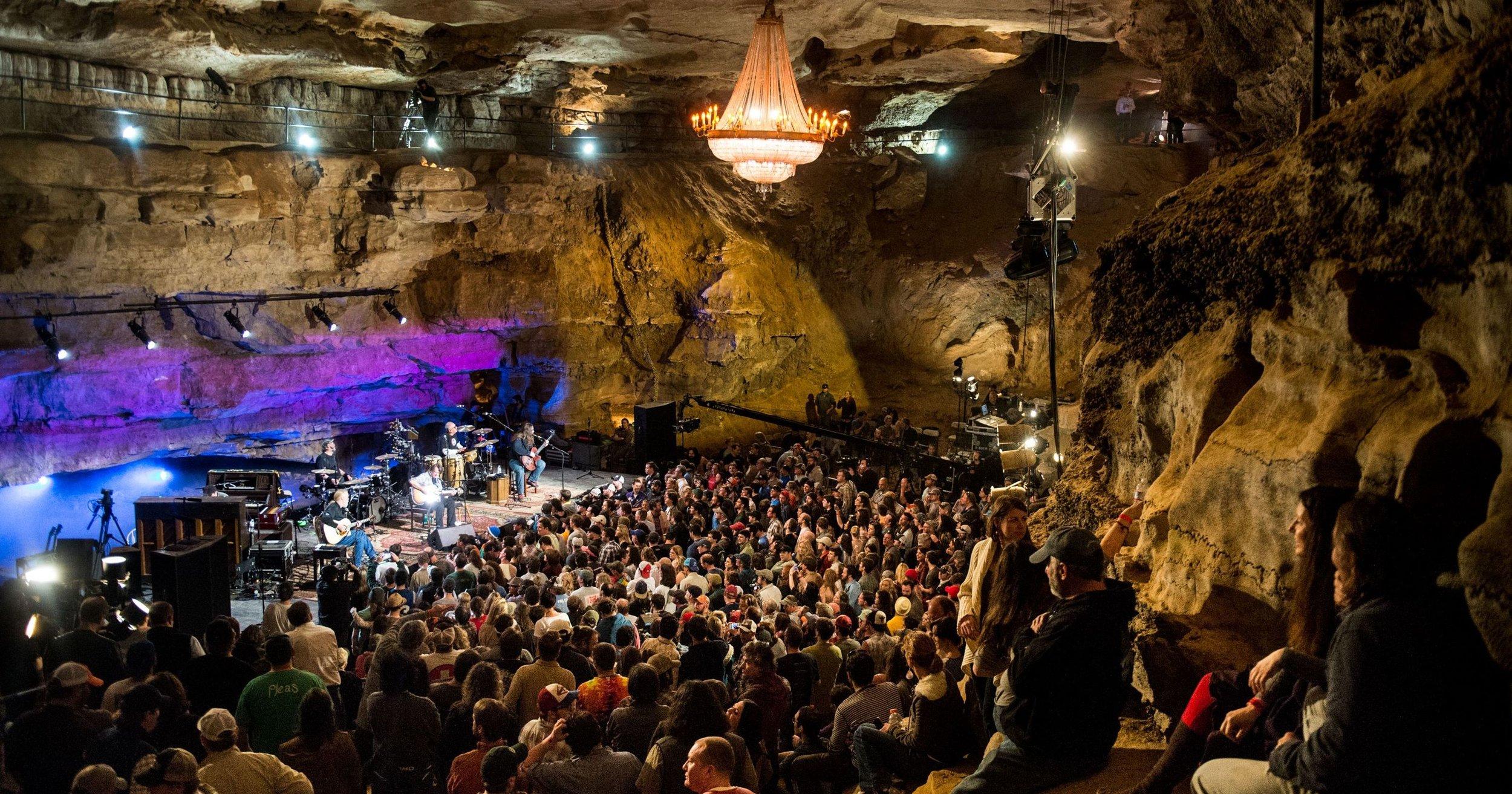 BLUEGRASS UNDERGROUND - Volcano Room, Cumberland Caverns, TN