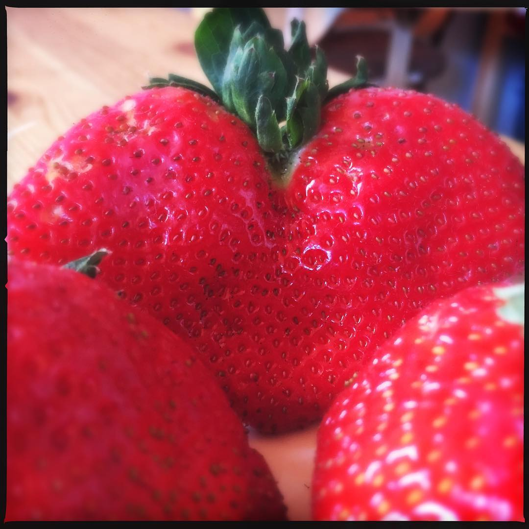 THECORNERSTORESTRAWBERRIES