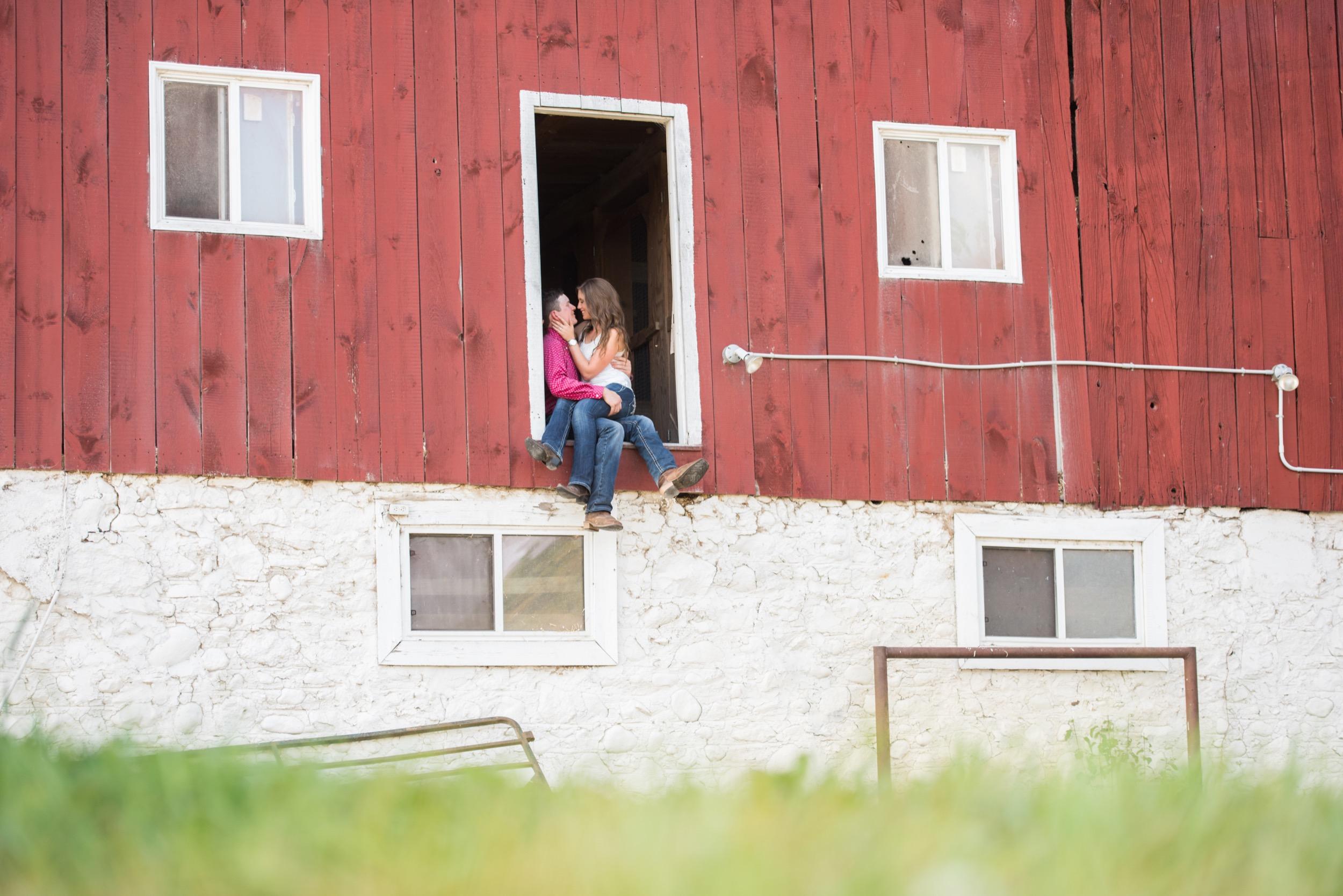 Guelph-Summer-Engagement-1.jpg