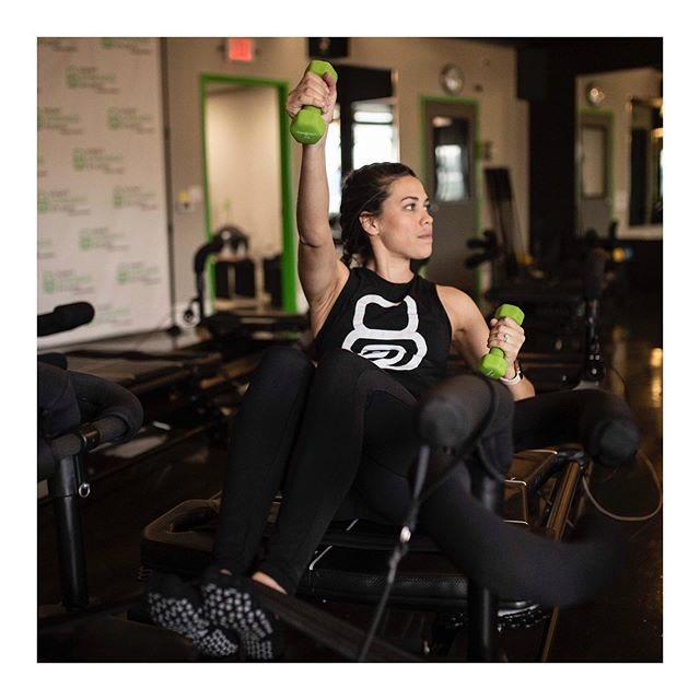 It's tank top season 💪🏼 • • • #megaformer #lagreefitness #lagreefitness #8springsstudio #fitnessinspiration #fitchicks #classpass #fitnessmotivation #highintensity #lowimpact #results #bodytransformation #weights #jerseycity #jerseycityfitness #hoboken #hobokenfitness #nycfitness #8springsgetsyouthere