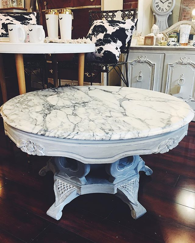 pretty grey & white marble top coffee table- now available!  #bohemestl #bohemeatelier #cherokeeantiquerow #cherokeestreet #shoplocalstl #shopsmallstl #stlboutique #chalkpaint #anniesloanchalkpaint #frenchdecor #greyandwhite
