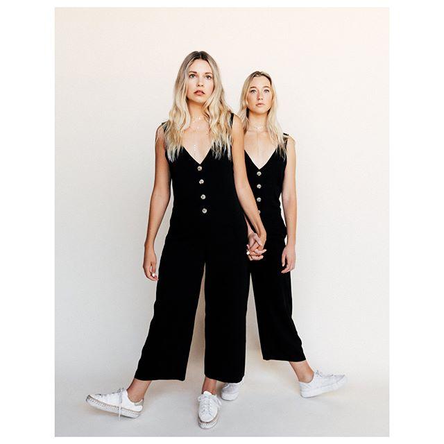 Perfect Sunday #ootd ♠️ • • • • • • • • • #picoftheday #fashiontruck #fashiontrends #fashionpopup #abbotkinney #santamonica #brentwood #southbay #orangecounty #longbeach #belmontshore #ootd #instashop #fashiontruckblogger #bossmomma #womenkickass #stylist #whatiwear #styleguide #womeninbusiness #hustler #shoppanikryder