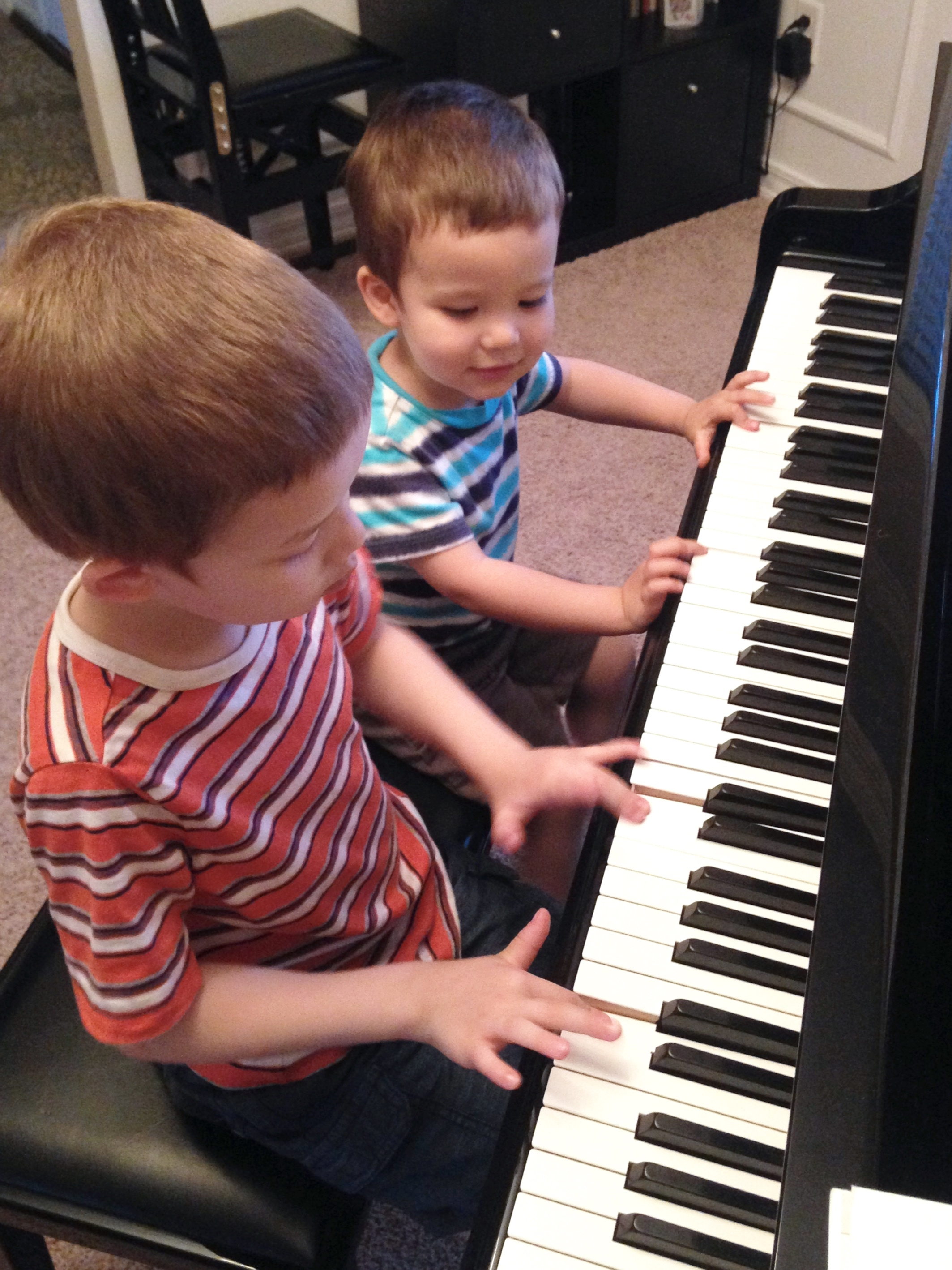 Piano Ensemble - Piano playing gets even more fun with four hands or six hands! Every month, our little pianists enjoy learning new ensemble pieces and love entertaining their family and friends. The students develop concentration and rhythmic security. The ensemble playing allows students to learn from peers as well as from teacher.