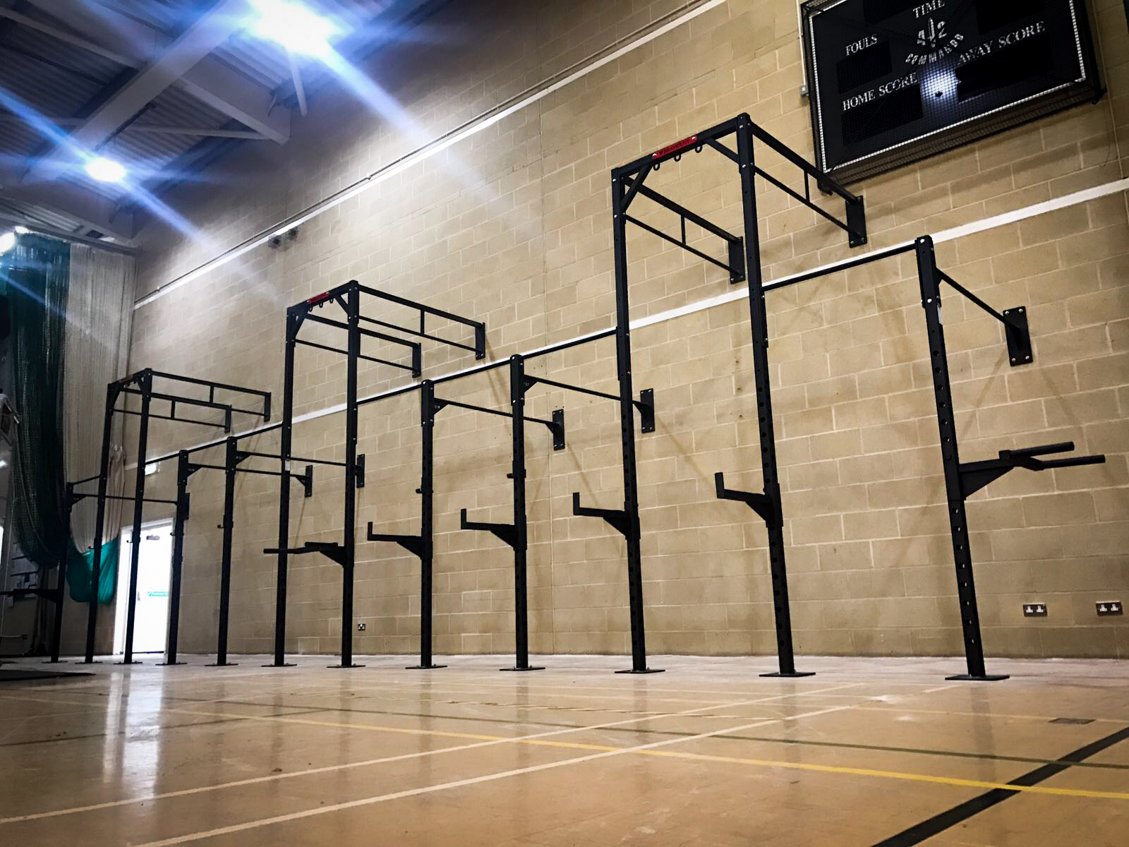 - FUNCTIONAL TRAINING RIGS