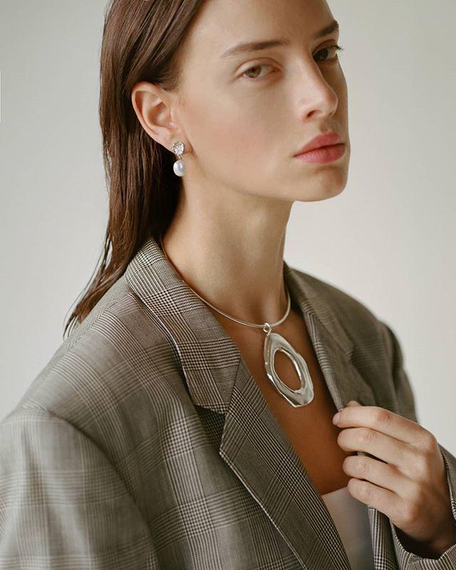 Sara wearing the Melt In Your Skin choker. The earrings with keshi pearls will be up on www.thirteenthstudio.com tonight! Photography @ianlanterman and  Stylist @j.edralin . . . . . . . #silverjewelry #bespokejewelry #slowfashion#earrings#sterlingsilver#shopsmall#coolearrings #artdirection #bosswomen#femme #emergingdesigner#coolgirl#outfitoftheday#wiwt#wiw#outfitoftheday#jewelry#jewellery#handmade#minimalexperience#unlimitedminimal#mindtheminimal#vogue#minimalist#minimalove#keepitsimple #editorial #womenswear