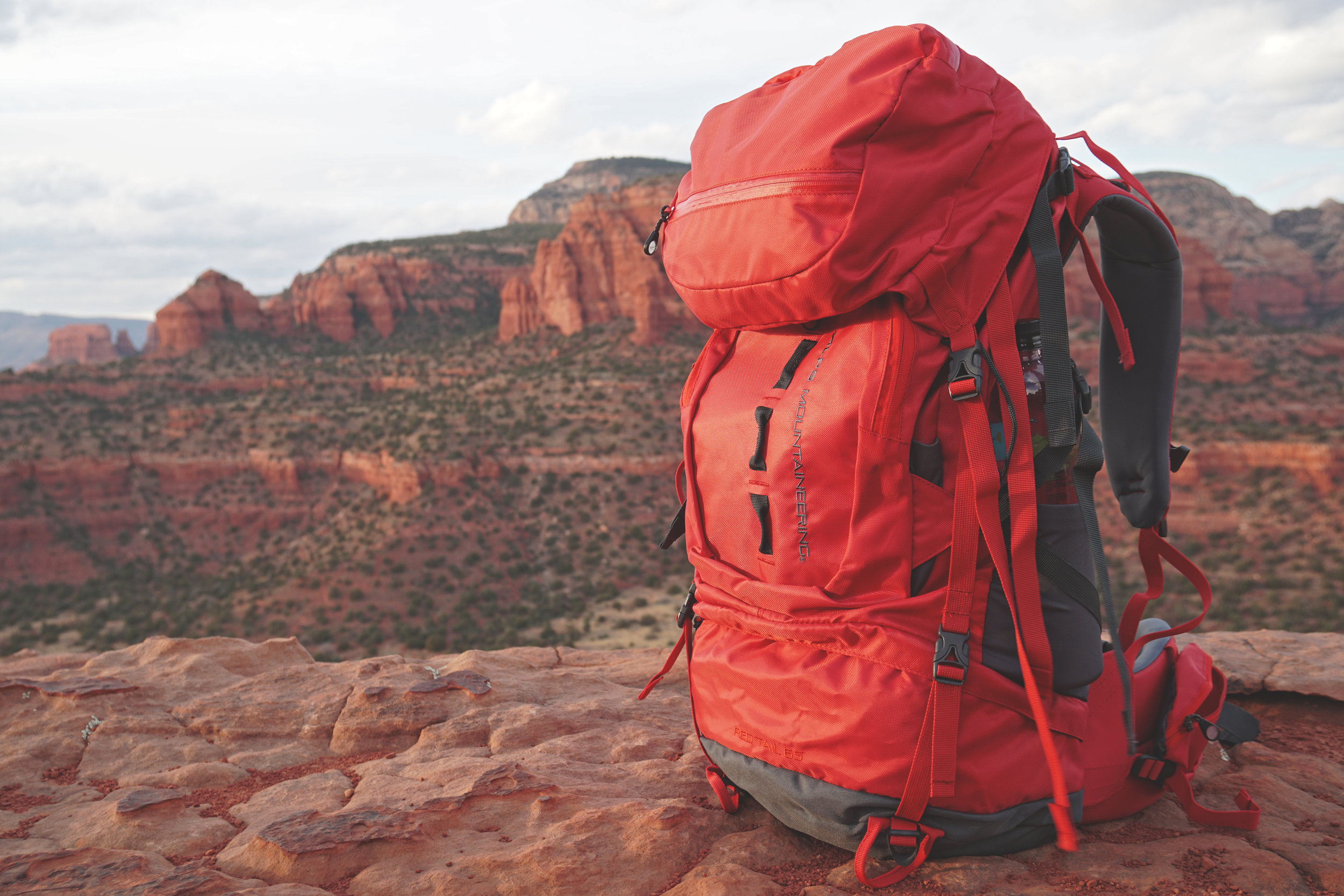 Alps Mountaineering Red Tail 65 Pack