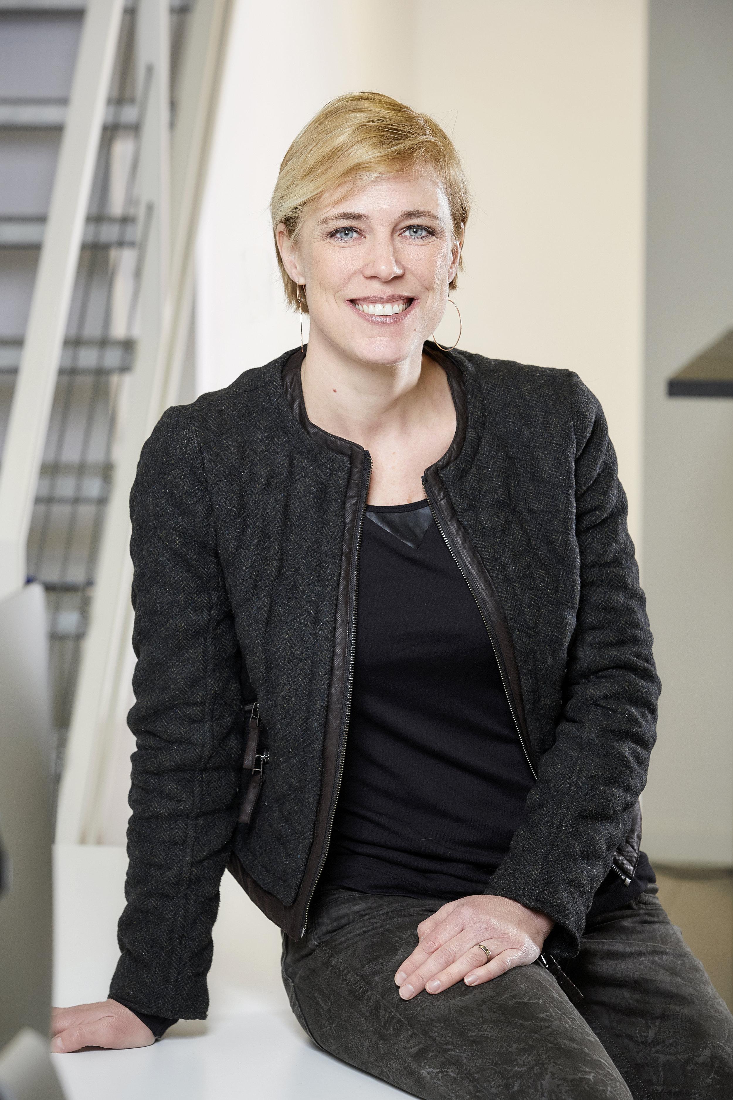 Angélique van Beers, corporate journalism