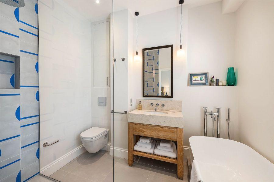 74 Elm Park Gardens shower room 7.jpg