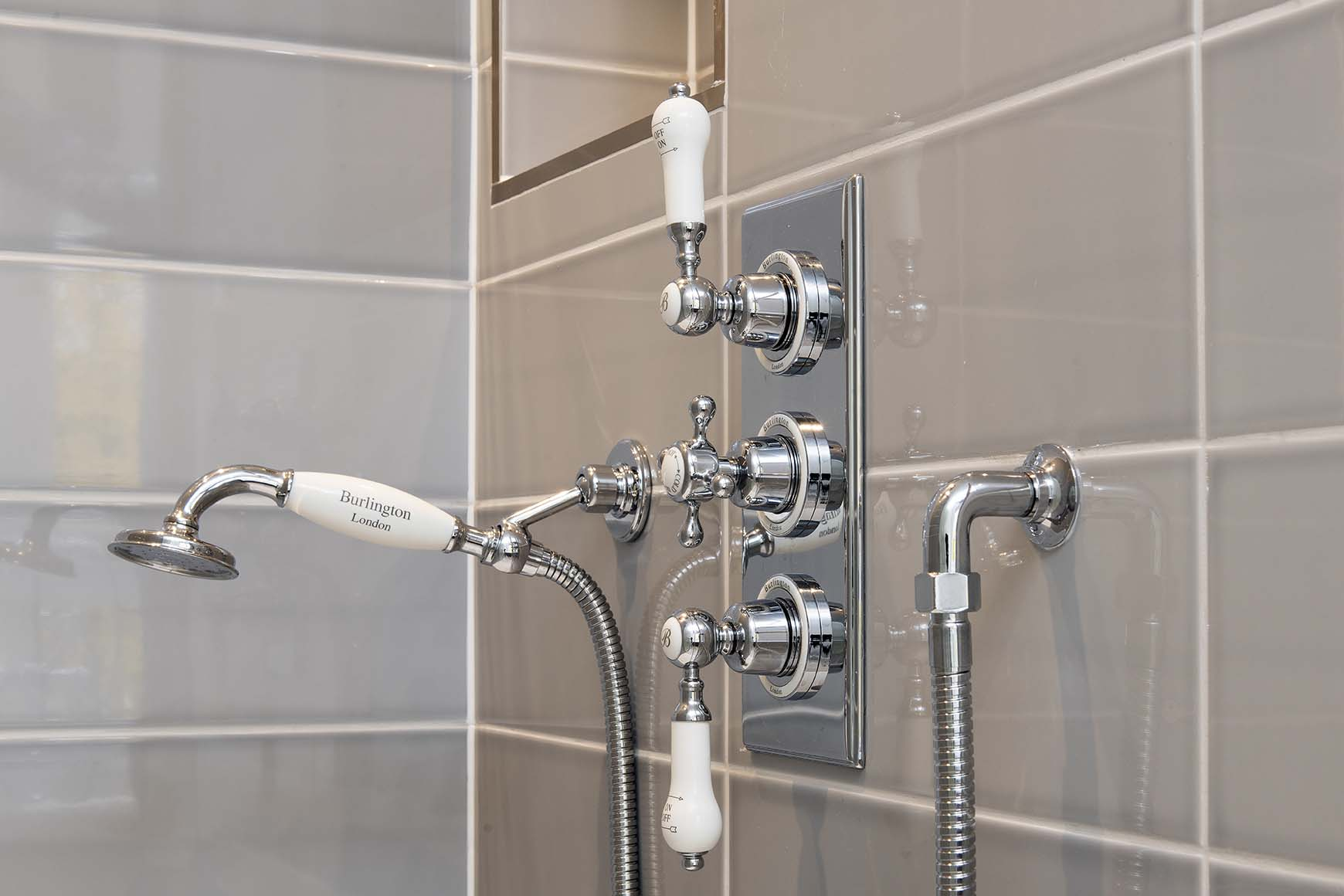 Cheyne Gardens Shower 7a.jpg