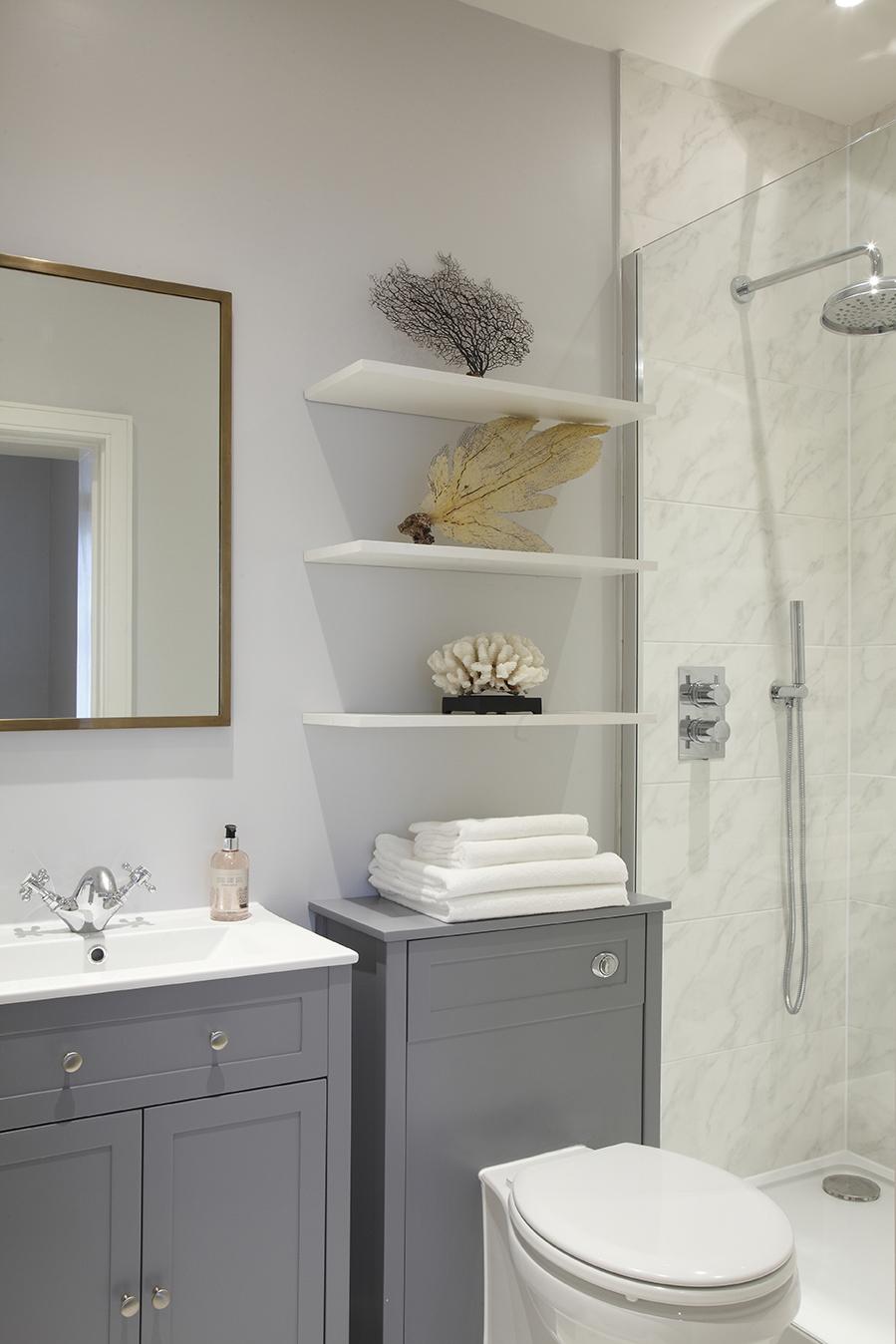 NW1 - Guest bathroom .jpg