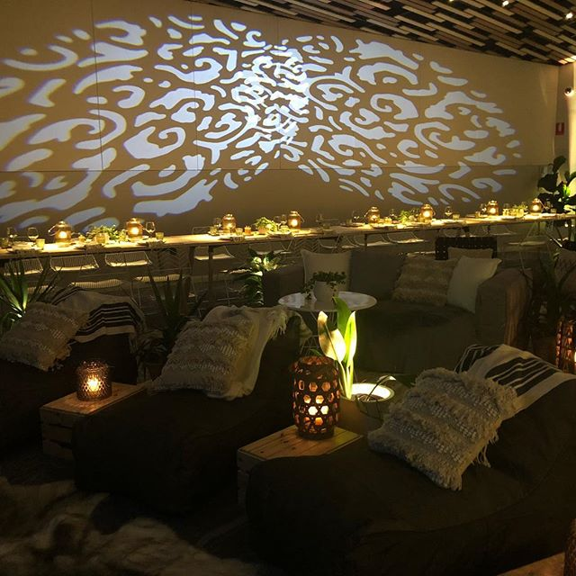 #gobo patterns are a fantastic way to add texture to an otherwise dull wall. This example is from two of our battery powered gobo lamps. So easy! #eventlighting #byronbay #lightingdesign @frankandjoy