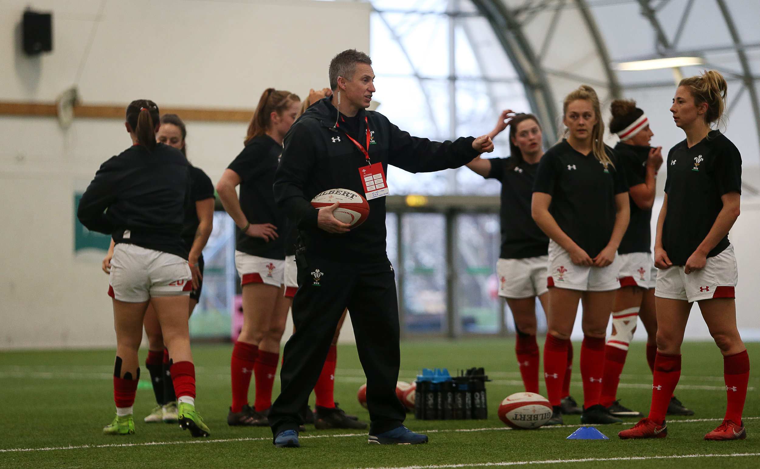 Gareth Wyatt talks to the Wales Women team before their 6 Nations match with France