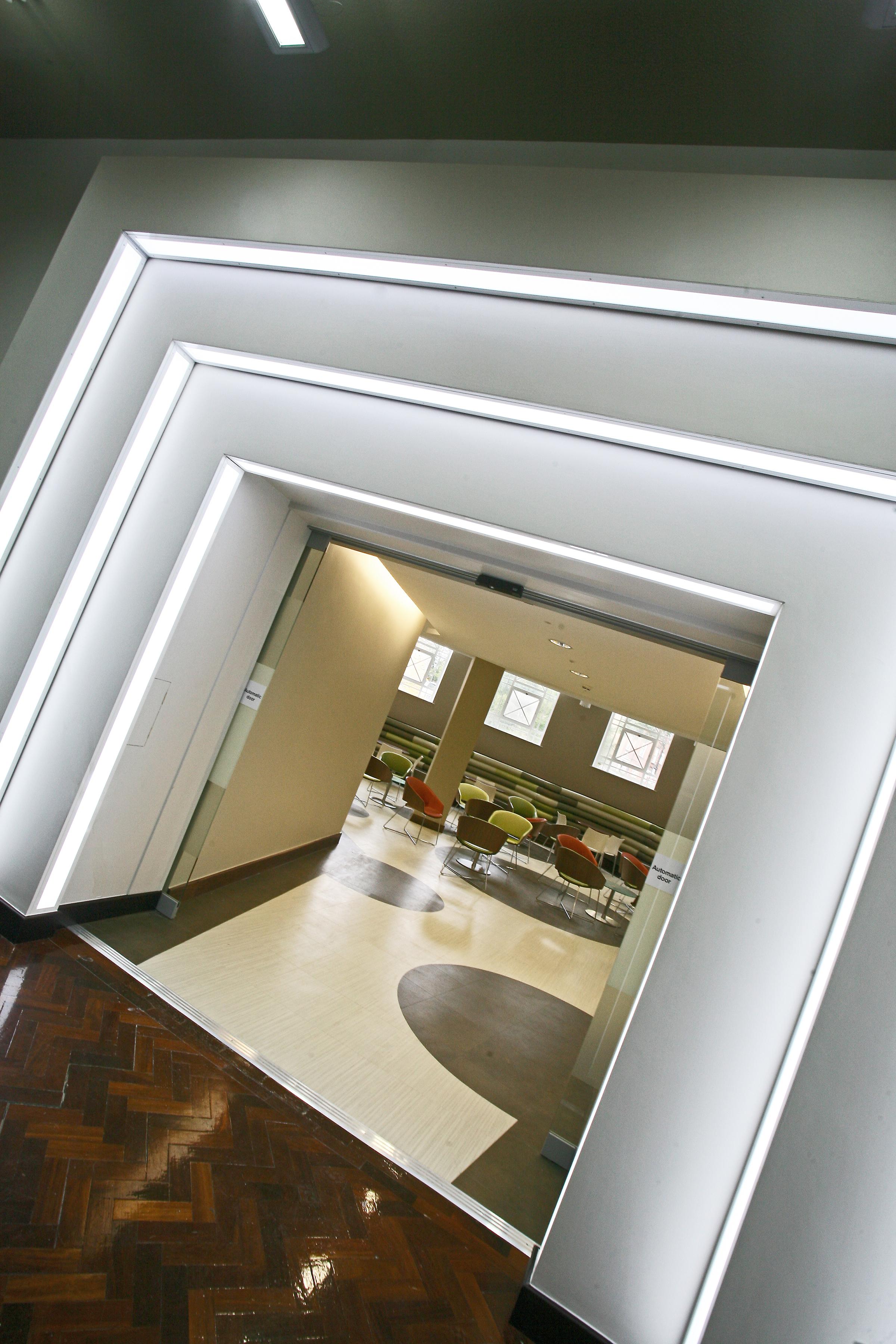 Leeds Cyber cafe 02.jpg