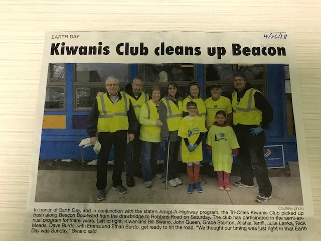 KIWANIS CLUB CLEANS UP BEACON