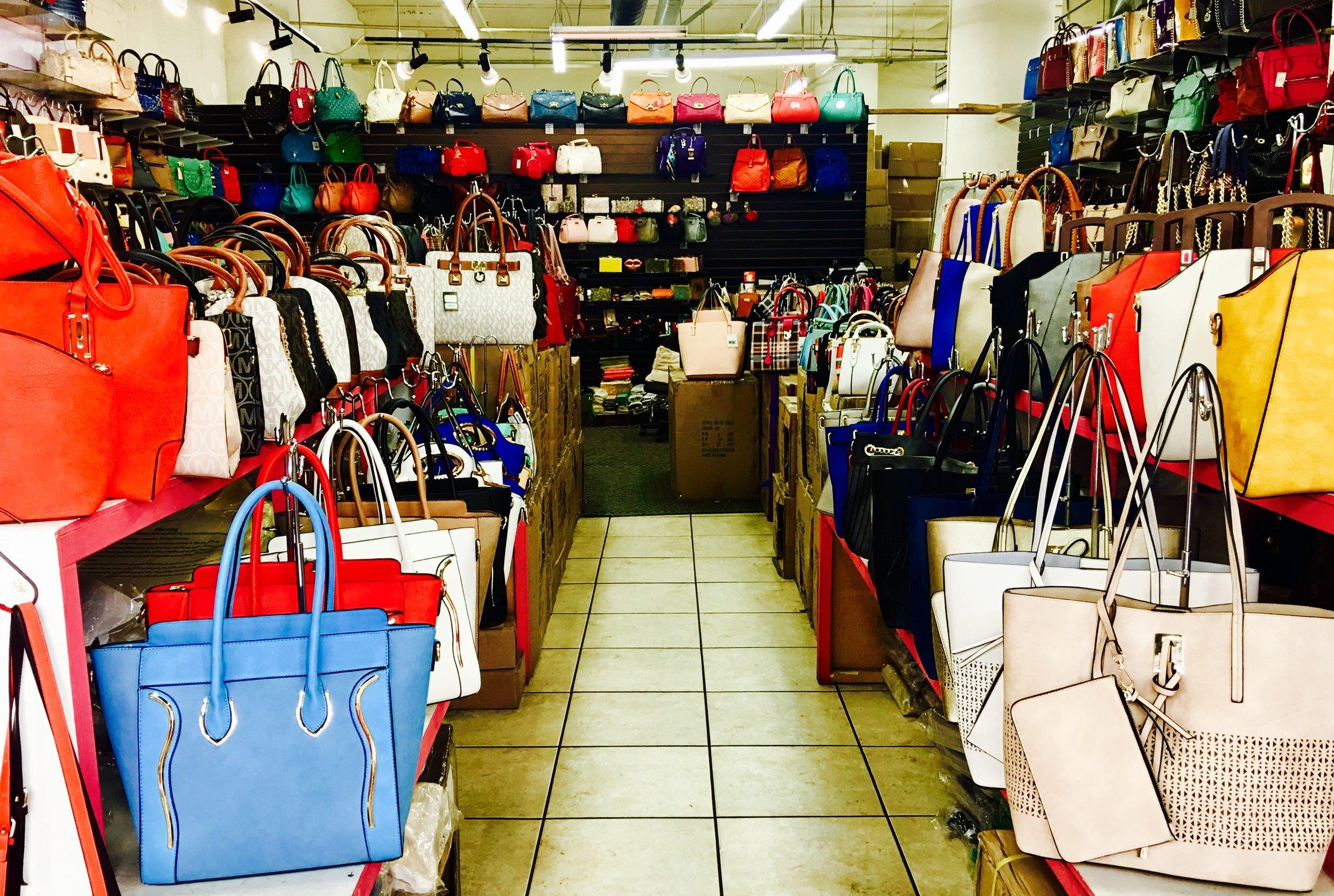 Astrid Solo Advisor - LA Fashion District