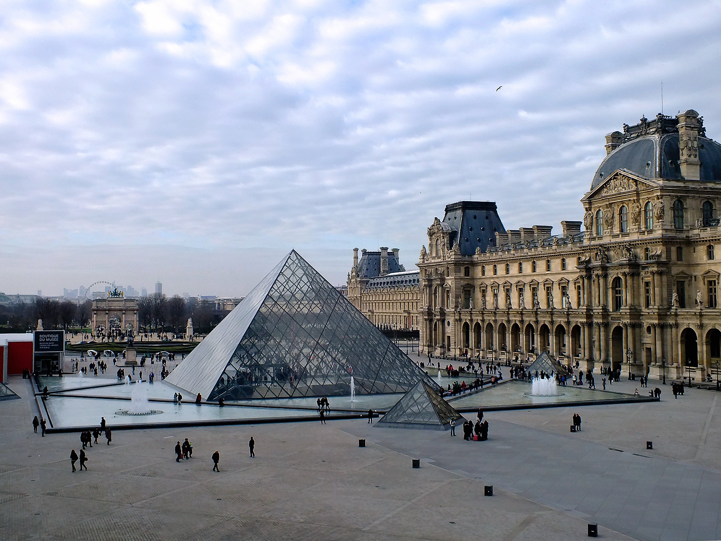 The Hotel Regina in Paris is within walking distance of The Louvre and many other attractions