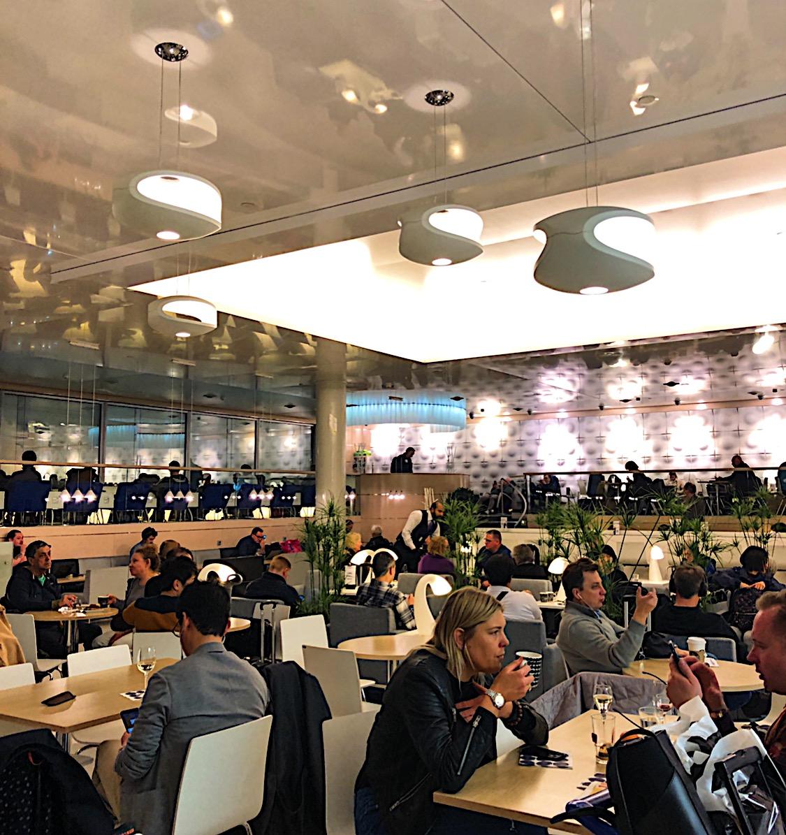 Helsinki Finnair VIP Lounge