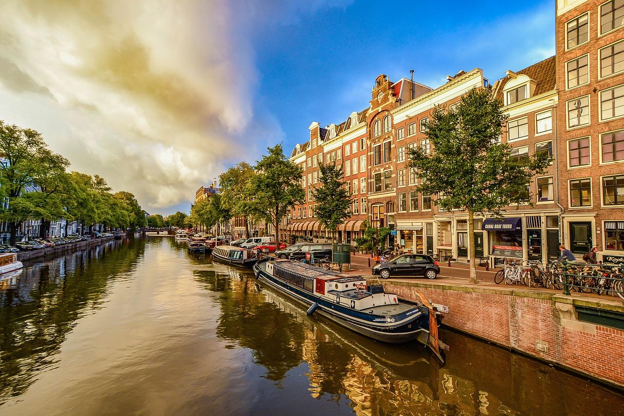 amsterdam-1910176_1280.jpg