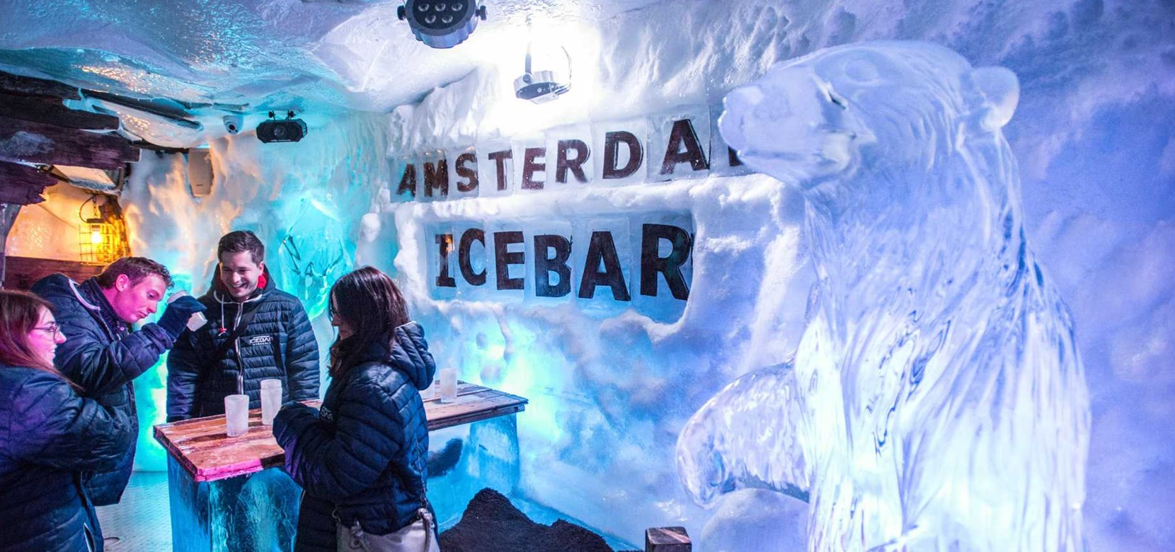 The Xtracold Icebar, a very cool exzperience!