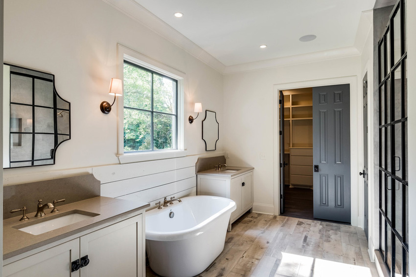 custom-built-home-nashville-tennessee-master-bath-chandelier-development.jpg