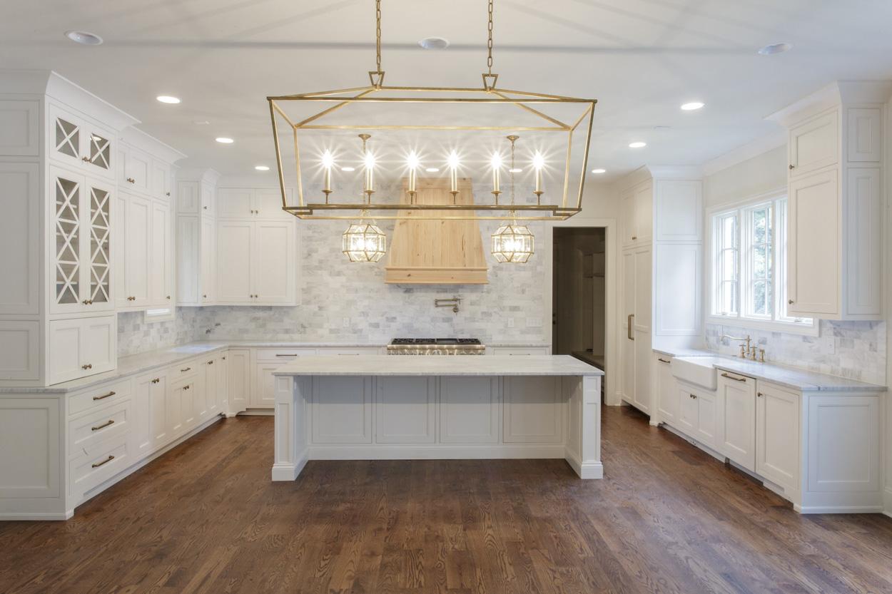 chandelier-development-custom-built-home-nashville-tennessee-belle-meade-architecture-hardwood-floors-open-living-natural-light-custom-details-tennessee-real-estate-5.jpg