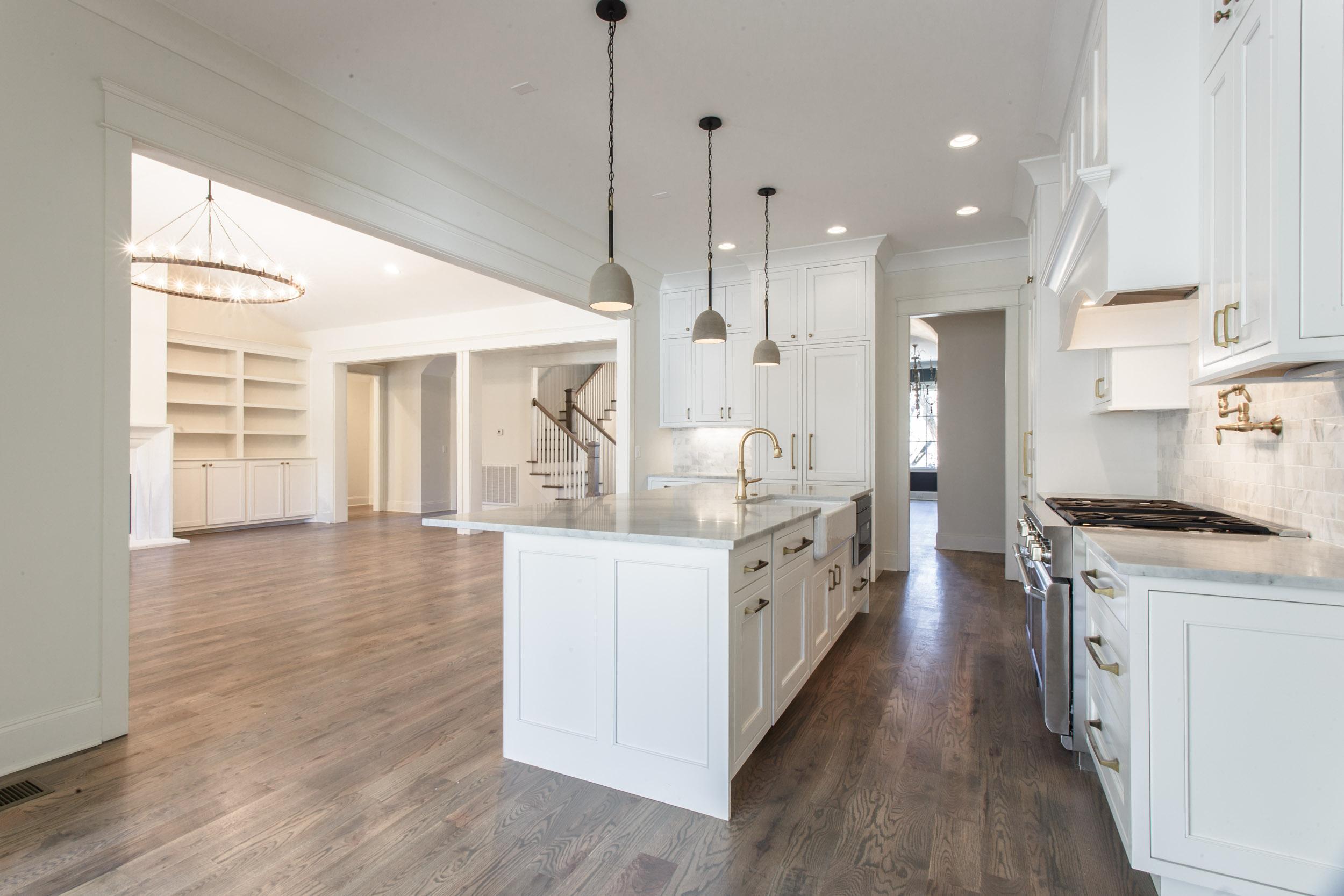 nashville-custom-home-belle-meade-real-estate-chandelier-development-4730.jpg