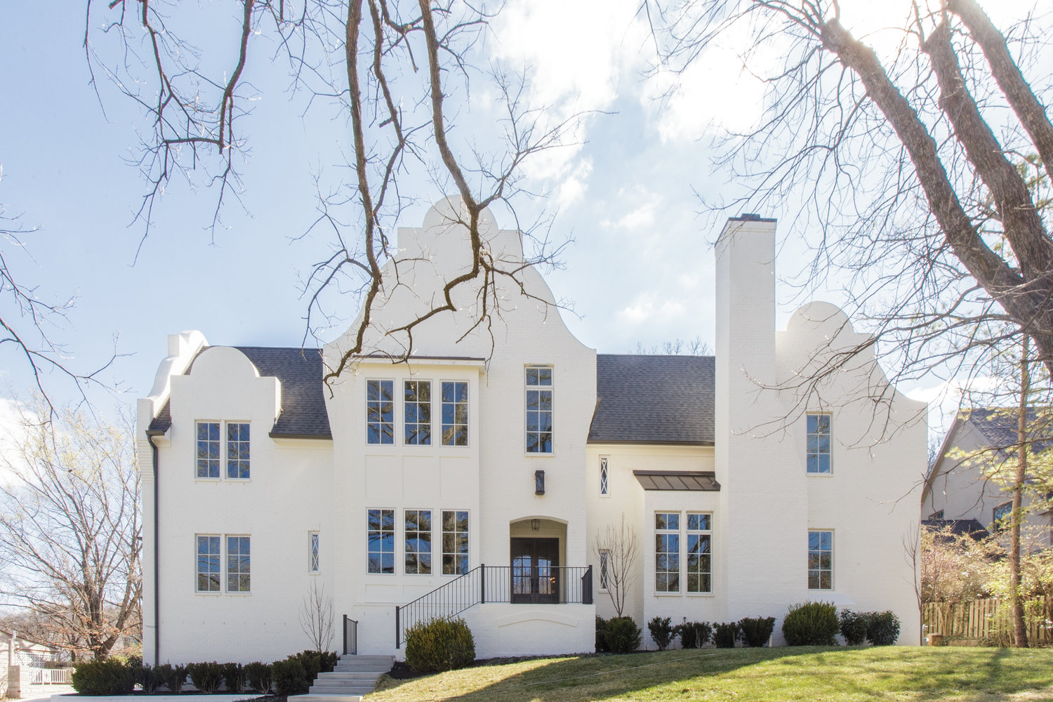 Spec & Custom Homes - Think you are ready to start your life in Tennessee with a new beautiful home? We are ready to help you. Whether you already have a lot, choose to purchase and build on one of Chandelier's properties, or need guidance and help finding a lot, we are fully equipped to meet all those needs. We are continuously starting new projects and have properties available which can be customized to meet your needs should they be purchased in the early stages of construction.