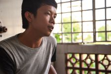 """Sereypagna in """"One building, many voices"""" Phnom Penh Post (2015)."""