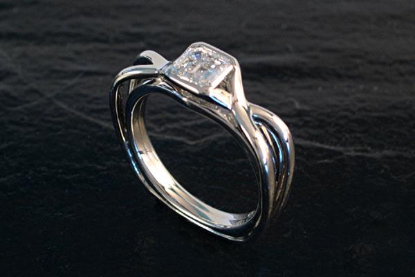 WEB-Weddings-Engagement-White GOld Diamond-2616 copy.jpg