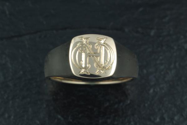 WEB-Yellow Gold Signet Ring-2011-Image 5490.jpg