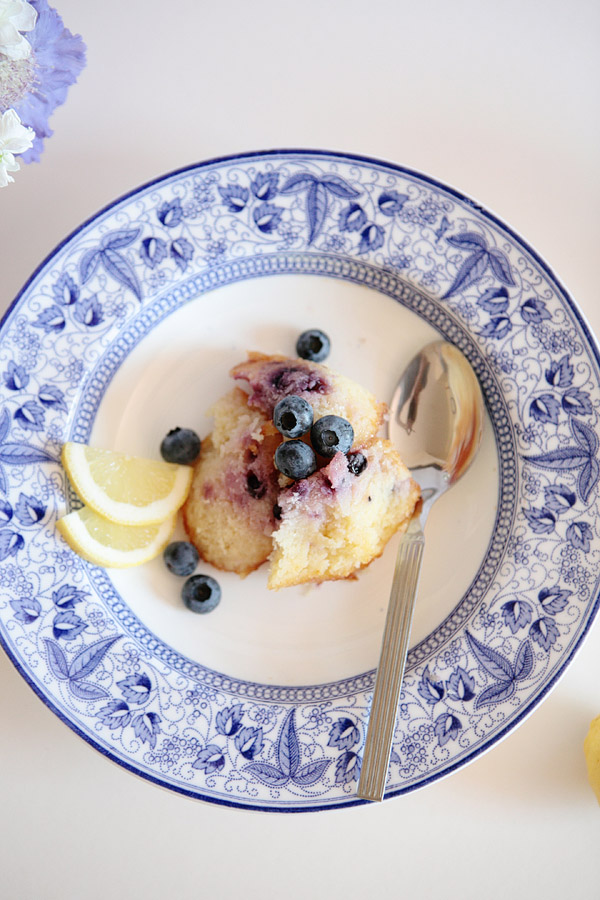 lemon-and-blueberry-pudding.jpg