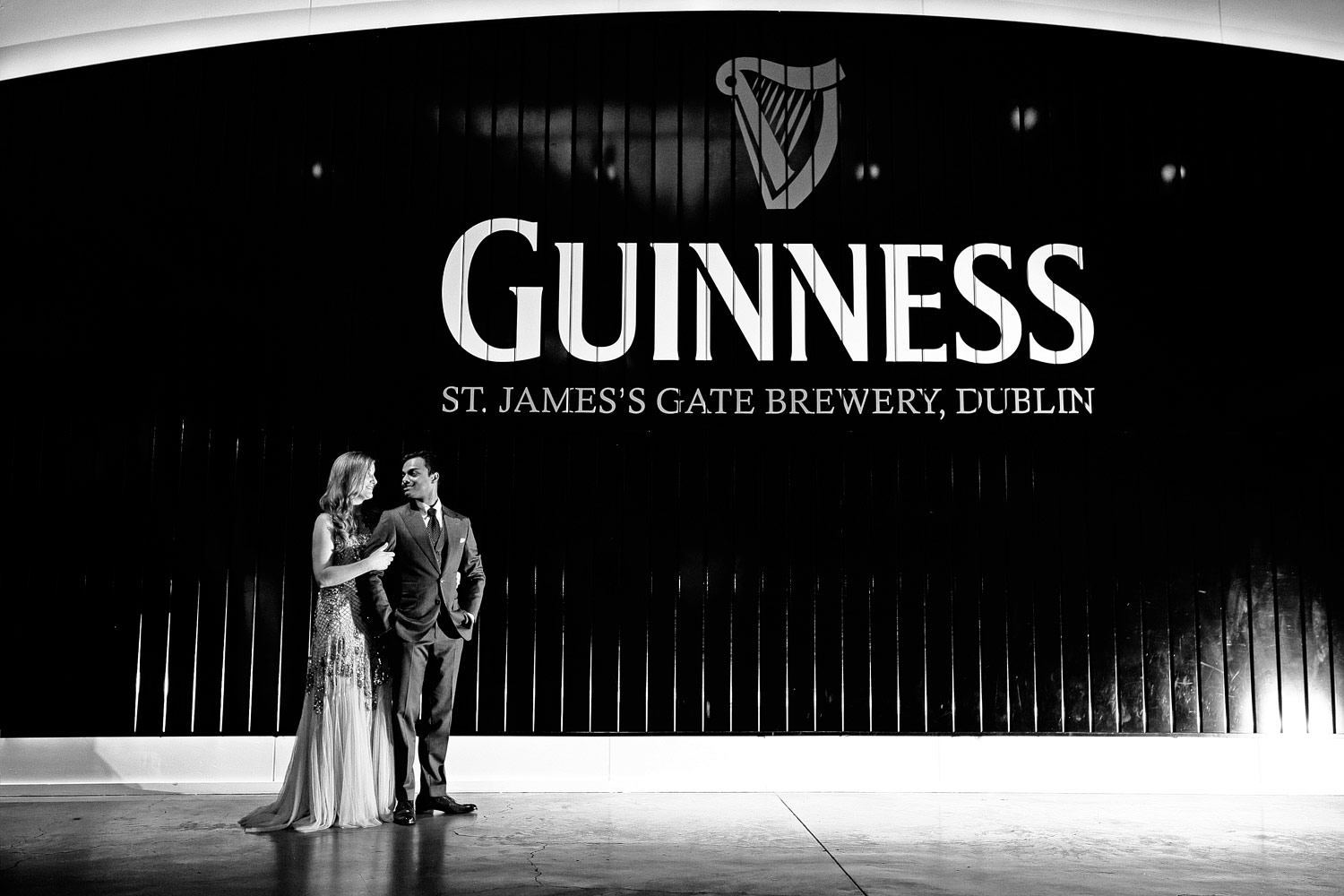 Guinness storehouse bride and groom photo