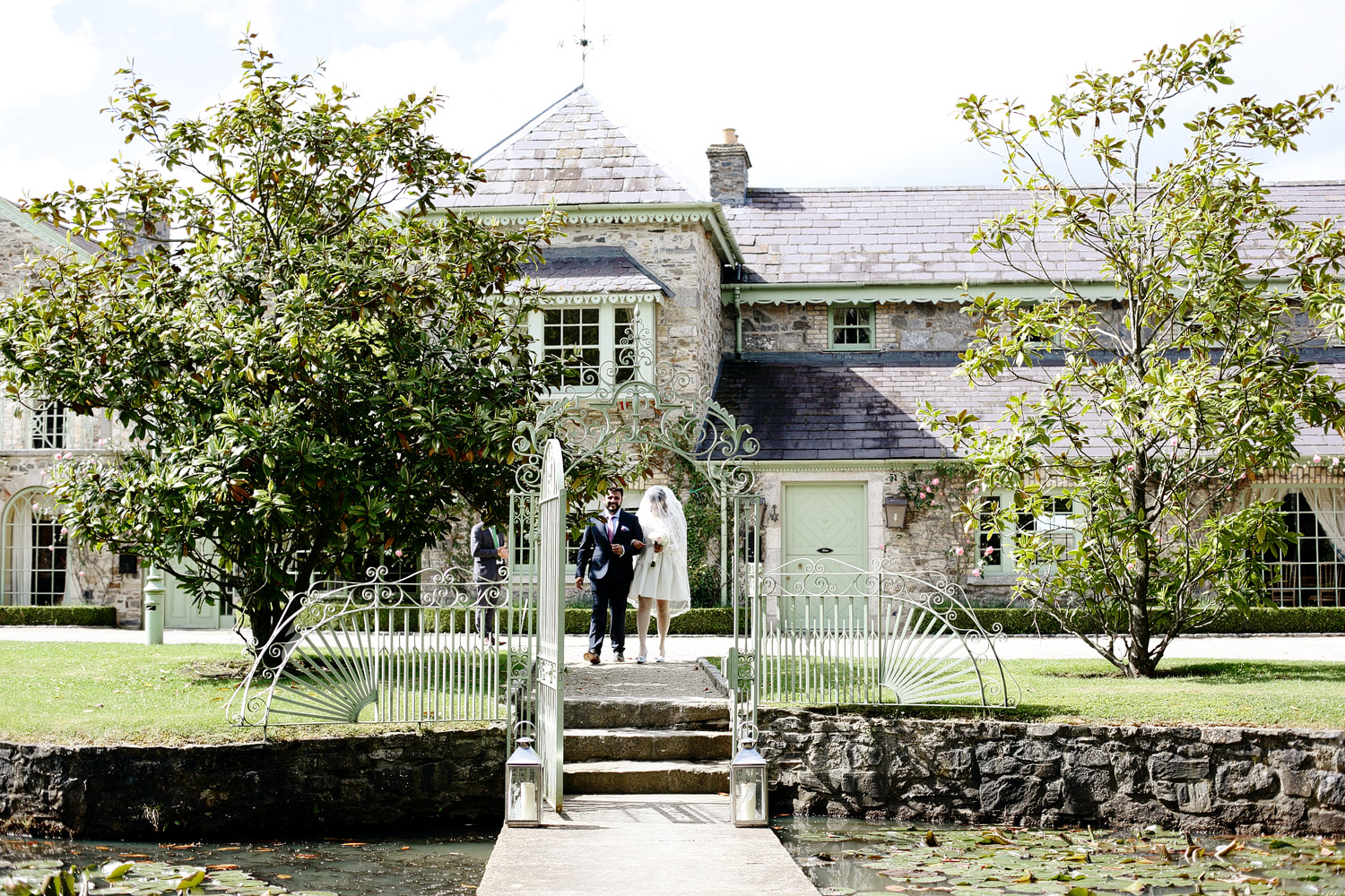 intimate wedding ceremony at cliff at lyons kildare