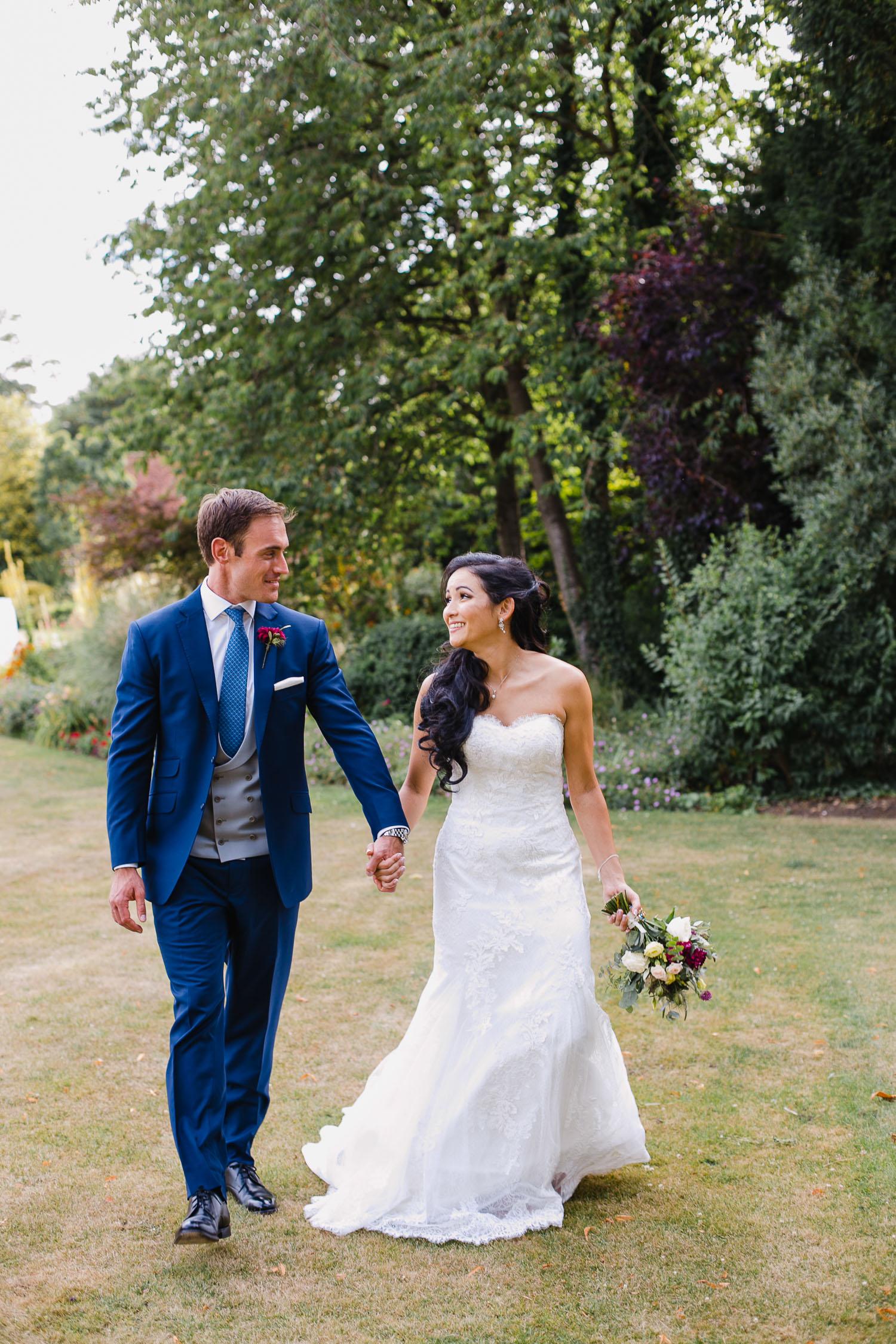 documentary wedding photos at dorney court