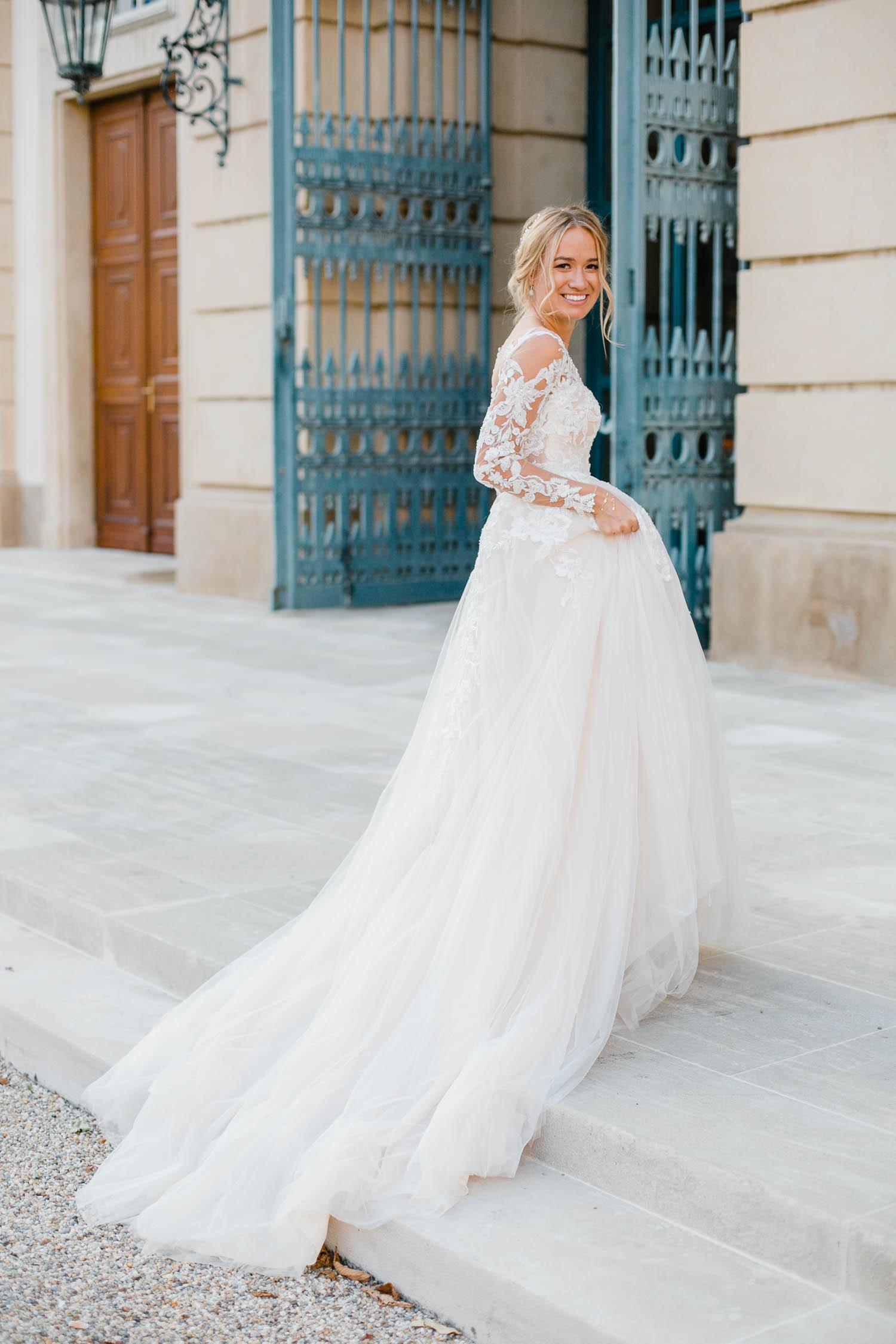 Tulle Pronovias Wedding Dress