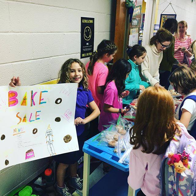 Check out the Glendale DI team The Los 5 Amigos absolutely crushin' their after-school bake sale outside the library today! The team is raising money for their group project, which is to buy books for Nashville libraries in need. Baked goods, big hearts, can't lose!