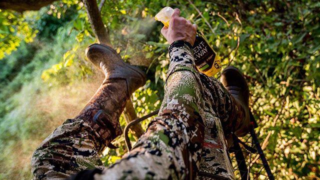 Bow season can't get here quick enough!! #struttinbuck #hunterslife #iamsportsman #scentaway #huntersspecialties #hunting #bowseason