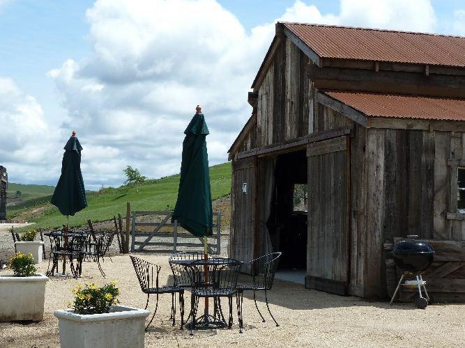 tasting barn use 3.jpg