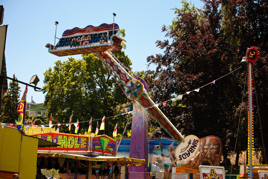 Background 5 - Carnival Rides.jpg