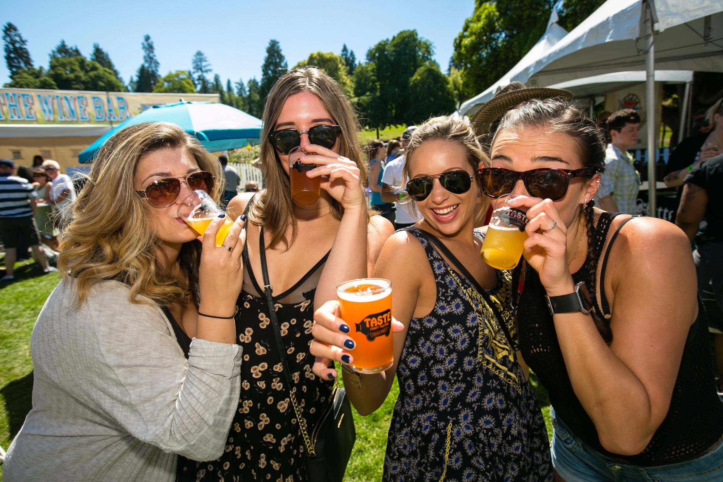 Craft Beer Tasting girls 9.jpg