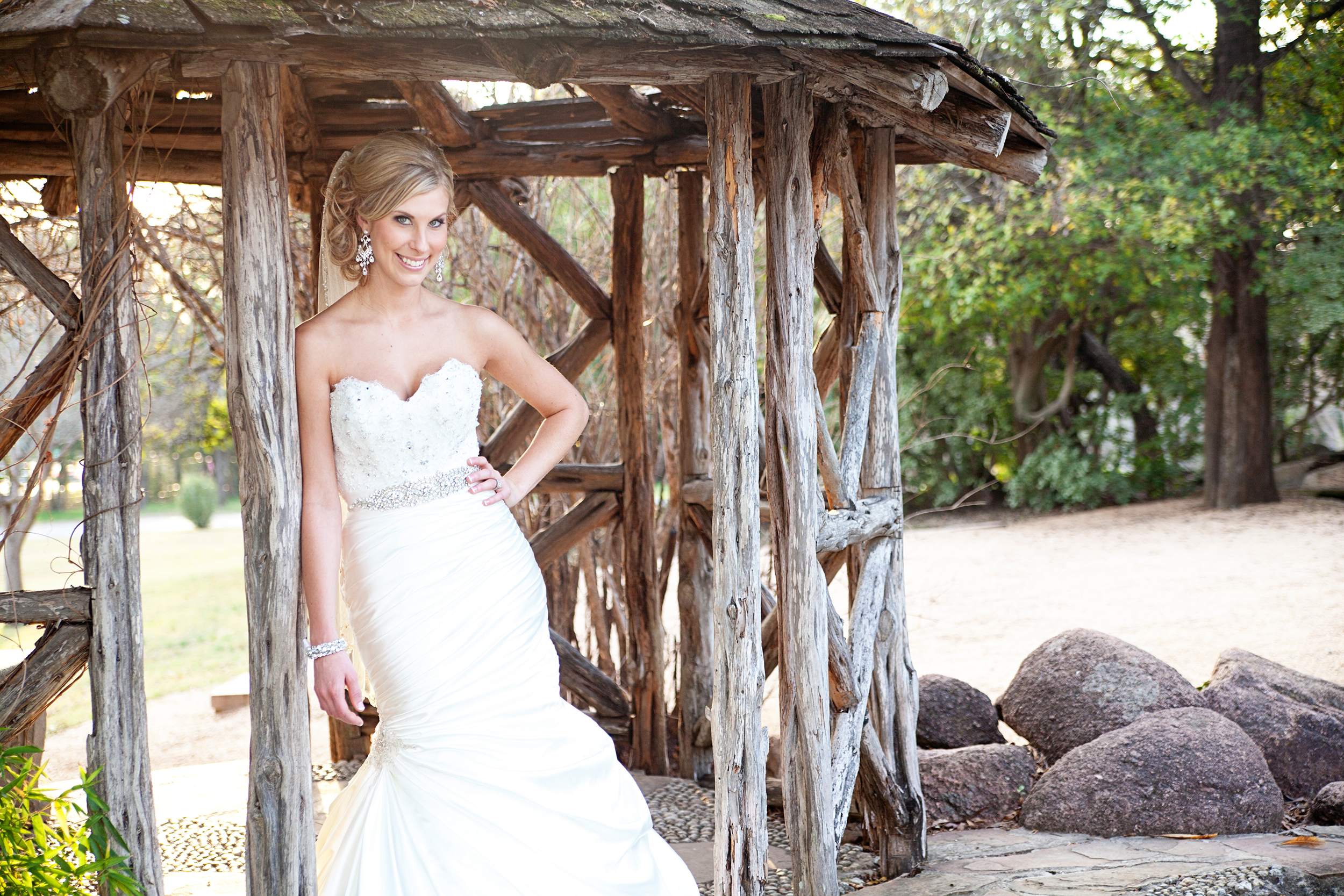 COUPLE'S FAVORITE:  HOW TO PREPARE FOR YOUR BRIDAL SESSION