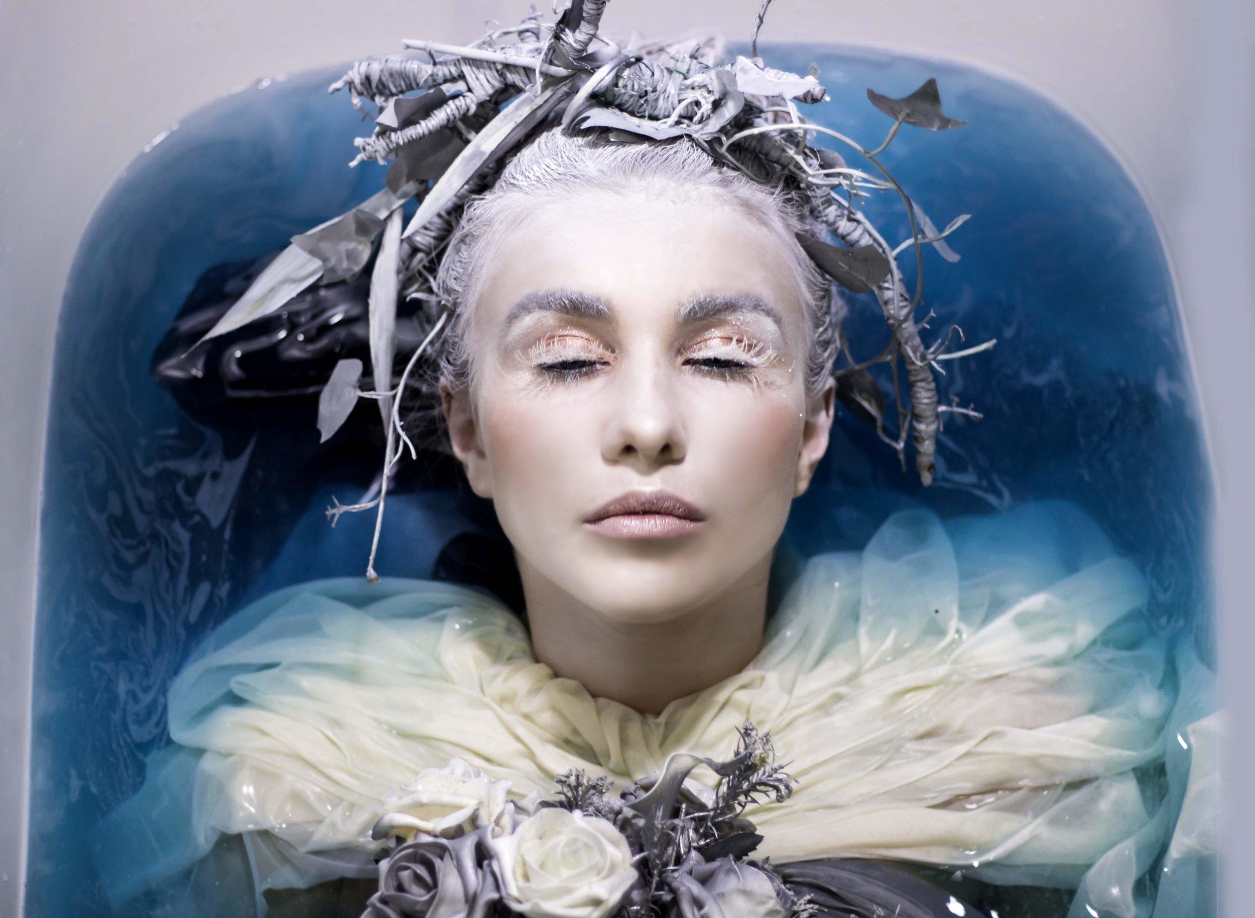 the-winter-queen-portrait